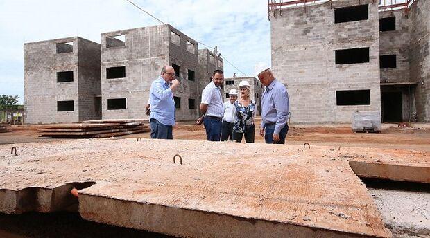 Obra com 192 apartamentos em residencial é vistoriada pelo governo e está 30% pronta em Campo Grande