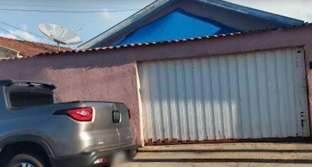 Sem perceber, mãe atropela e mata filha de dois anos na garagem de casa