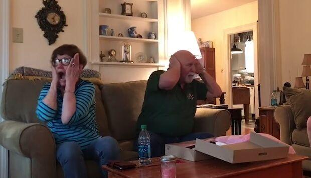 VÍDEO: casal surta ao saber que os filhos estão esperando bebês ao mesmo tempo