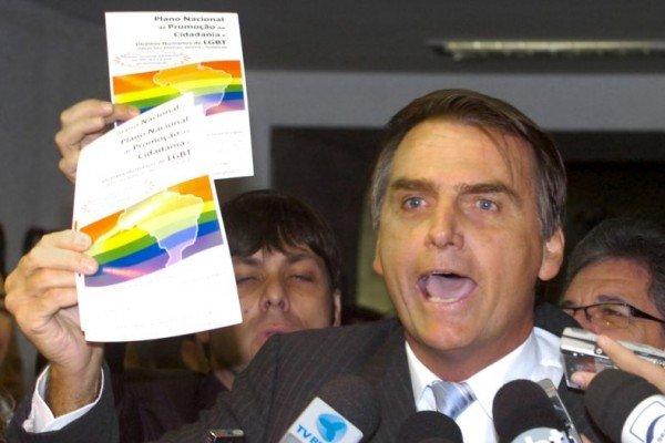 Jair Bolsonaro empregava cinco funcionárias que nunca foram ao Congresso