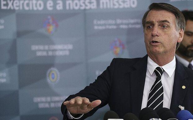 Pelo Instagram, Bolsonaro anuncia queda de 7,2% no preço do diesel e 6% da gasolina