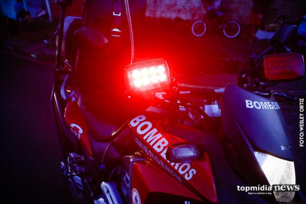Após desviar de buraco, motociclista sofre acidente e fica ferido