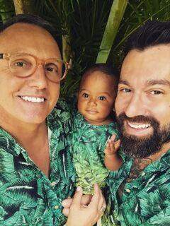 Dia da adoção: após nascer na rua, bebê é adotado por casal homoafetivo