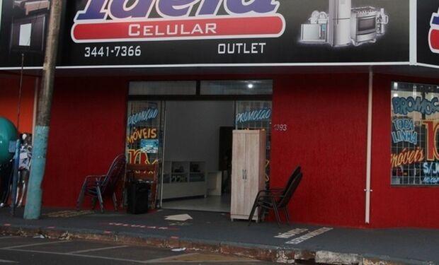 Bandidos invadem loja e levam R$25 mil em produtos