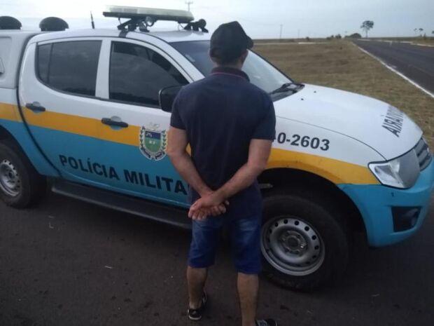 Condutor é preso com CNH falsificada e assume que comprou documento por R$1 mil