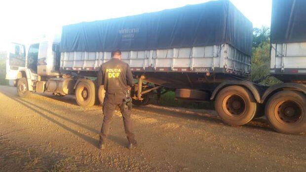 Carreta com pneus contrabandeados é apreendida em Maracaju