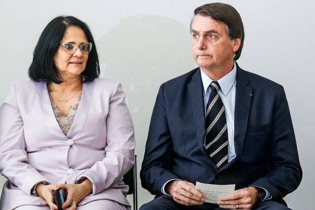 Pede pra sair! Ministra Damares Alves solicita a Bolsonaro para deixar o governo