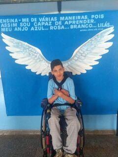 AJUDE O LÉO: família precisa de doações para pastelada e bingo em prol de menino com paralisia