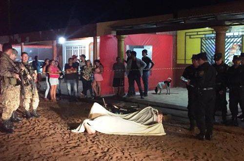 Motociclista é executado em frente de escola na fronteira