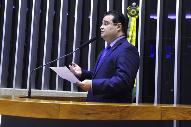 País vive 'instabilidade política', afirma Fábio Trad