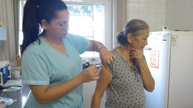 Campanha contra a gripe tem ainda duas semanas; mobilização termina no dia 31