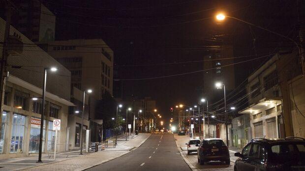 Substituição de 46 mil lâmpadas por luminárias de led vai custar R$ 6 milhões