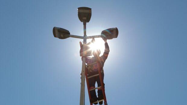 Prefeitura economiza quase R$ 1 milhão mensal com instalação de 46.250 lâmpadas de led