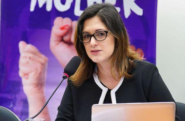 Combate à violência doméstica será prioridade de nova secretária