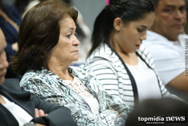 Defesa diz que mãe de Adriano vive com um salário mínimo; Restaurantes se dissolveram