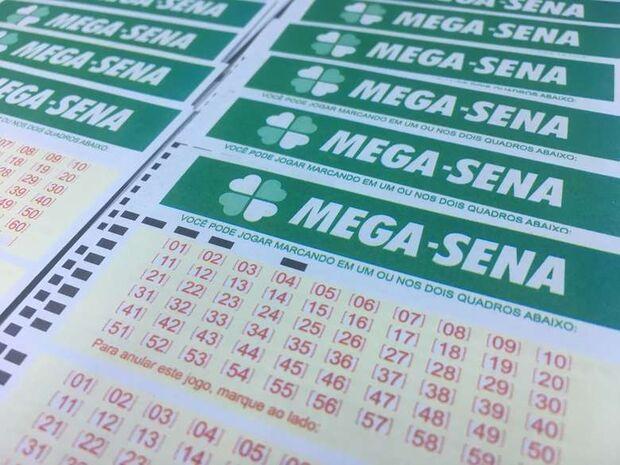 Mega-Sena deve pagar R$ 7 milhões neste sábado