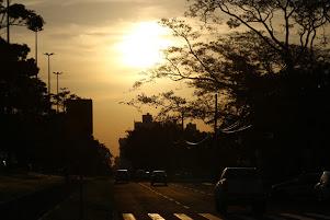 Quarta-feira começa com sol e pode terminar com chuva na Capital
