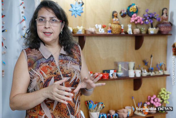 Não é fácil, mas artesãos de Campo Grande se orgulham em viver do que as próprias mãos criam