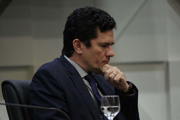 Após Bolsonaro citar vaga no STF, Moro diz: 'Não impus condição'
