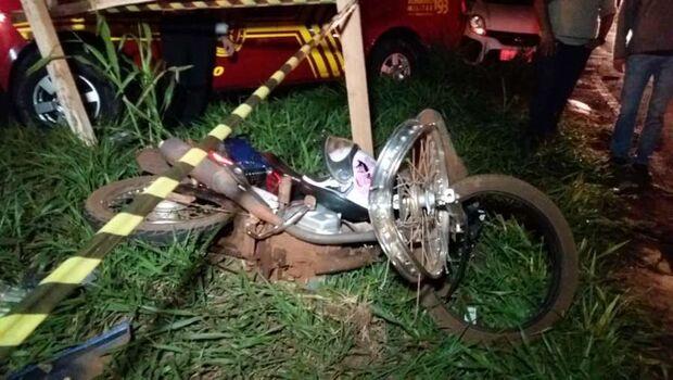 Motociclista invade preferencial, bate na traseira de ônibus e morre na MS-156