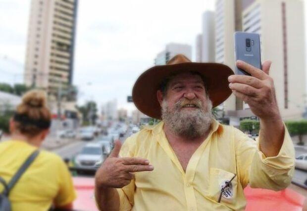 "Deputado do PSL quer proibir ""carne de jaca"" e ""bacon de soja"""