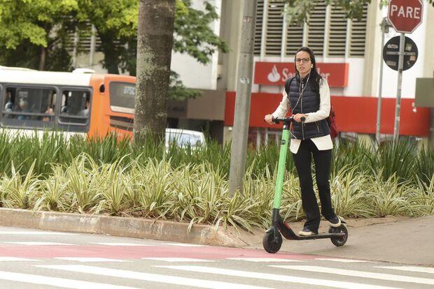 Começam a valer regras para uso de patinetes em São Paulo
