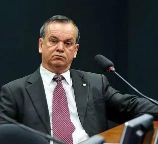 PEC prorroga até 2022 os mandatos dos atuais prefeitos e vereadores de todo o país