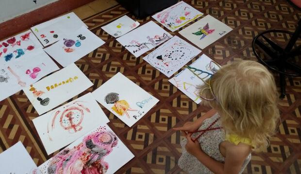 Oficina de autorretrato e cineminha fazem alegria dos pequenos na Capital