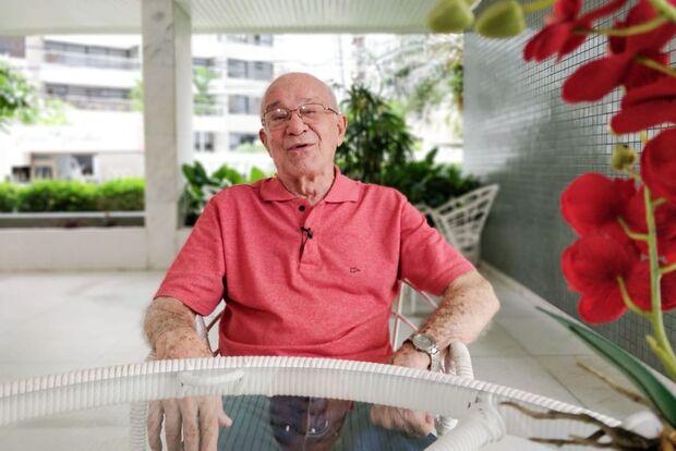 'Nem de longe penso em parar', diz dentista de 92 anos que exerce a profissão há quase 7 décadas