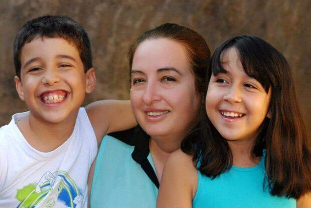 Jornalista de MS adota 2 filhos e afirma: 'se tivesse preenchido uma ficha, não seriam tão perfeitos
