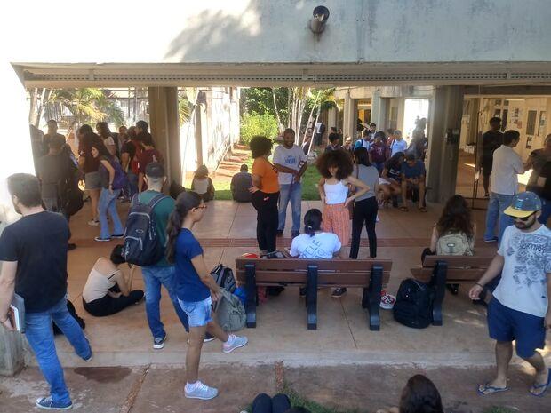 Com cortes da Educação, professores e estudantes temem até pelo fechamento da UFMS