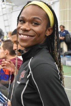 Atleta trans vira fenômeno do atletismo universitário nos EUA