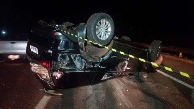 Traficante tomba carro e abandona veículo recheado de maconha em Rodovia