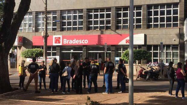 Abertura de bancos será atrasada em 1h e universidades públicas não terão aula em Dourados