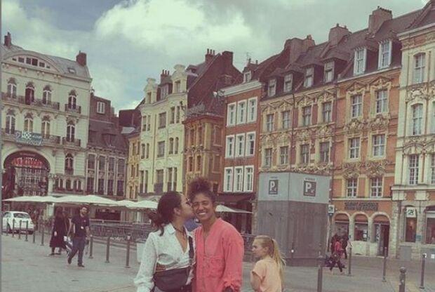 Namorada publica foto em passeio com jogadora Cristiane na França