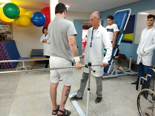 Com projeto de extensão, faculdade oferece atendimento gratuito a lesionados medulares