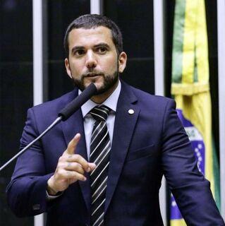 Deputado do PSL protocola projeto 'lei Neymar da Penha'