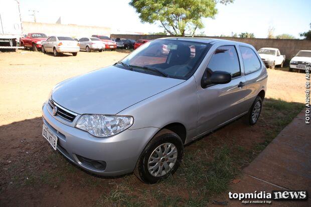 Policiais da Denar recuperam veículo roubado de família em Campo Grande
