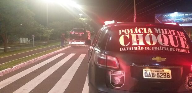 Bêbado, adolescente é detido fazendo 'racha' na Afonso Pena e grita: 'sou filho de delegado'