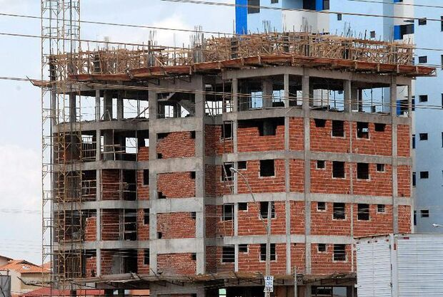 Com Minha Casa Minha Vida em discussão, construção civil acumula demissões em MS