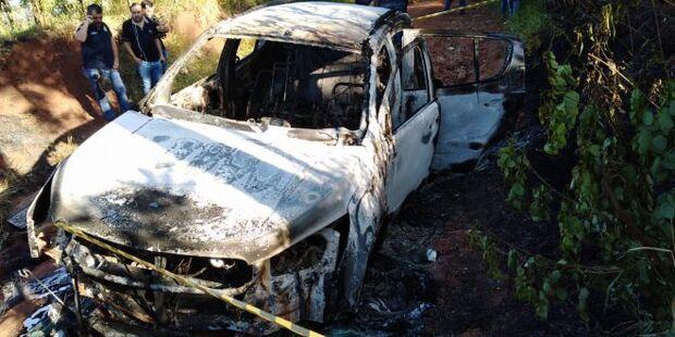 Caminhonete com placas adulteradas é encontrada queimada na Chácara dos Poderes
