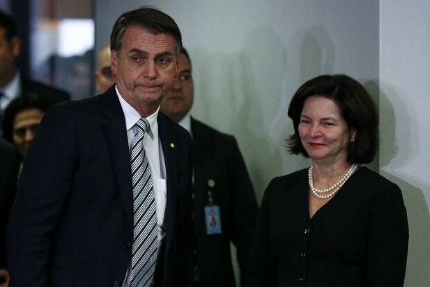 Dodge diz estar à disposição de Bolsonaro para 'eventual' recondução