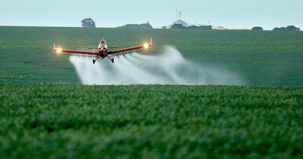 Ministério da Agricultura libera mais 42 agrotóxicos, totalizando 211 no ano