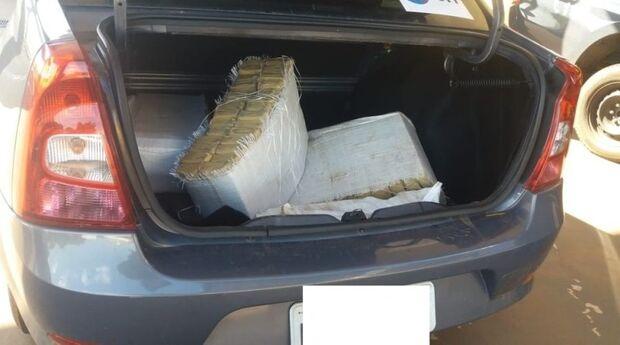 Jovem preso em veículo carregado com 79 quilos de maconha