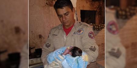 Bombeiros auxiliam gestante que entrou em trabalho de parto em casa