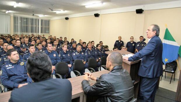 Prefeitura capacita mais 150 guardas civis municipais para uso de armas letais