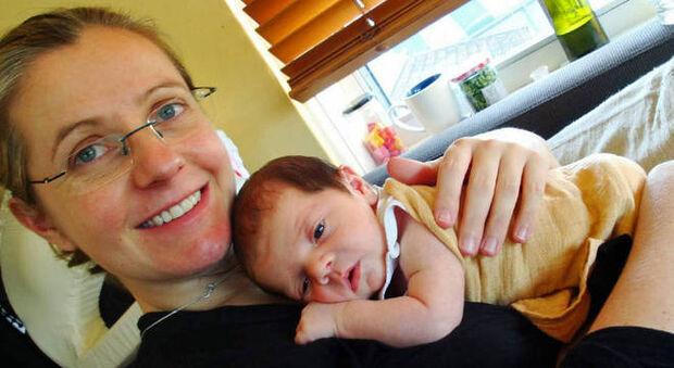 Psicose pós-parto: 'eu sempre tive medo de ficar louca, e fiquei após meu bebê nascer'