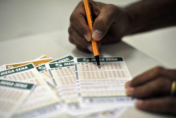 Mega-Sena, concurso 2.156: ninguém acerta e prêmio acumula em R$ 63 milhões