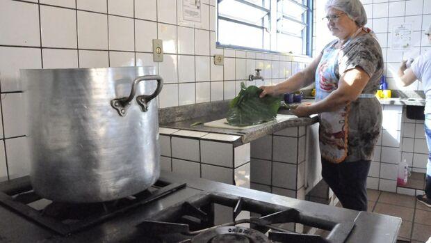 Prefeitura abre seleção de processo simplificado para merendeiros da Reme
