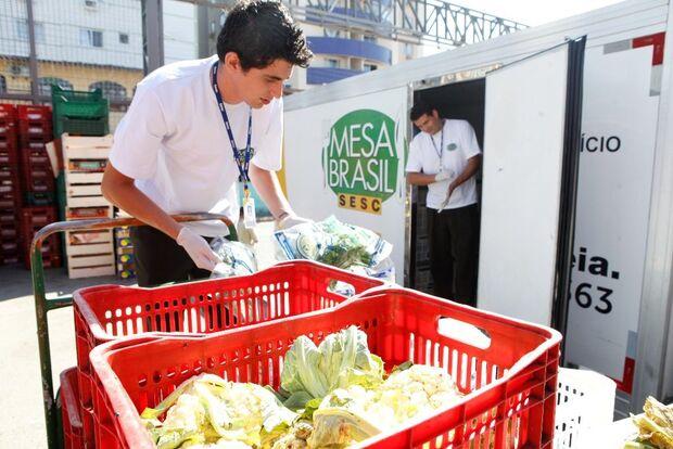 Em um mês, projeto em MS distribuiu 170 toneladas de alimentos para 25 mil pessoas